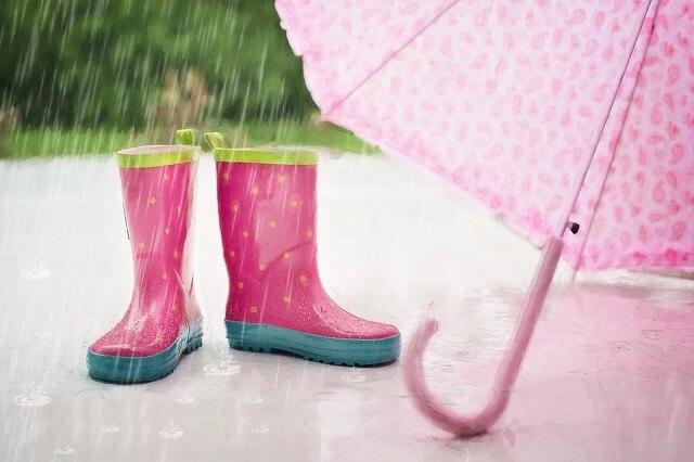 ピアノの調律の頻度は?梅雨の季節は避けたほうがいい?