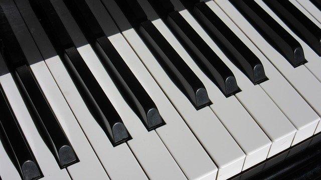 ピアノの鍵盤カバーは必要?ヤマハなどのキーカバーを紹介