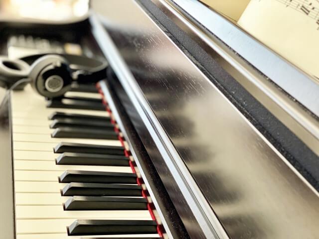 ピアノの消音装置のデメリットはある?ヤマハカワイコルグを比較!