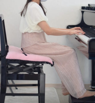 ピアノの補助ペダルのおすすめの選び方は?ヤマハとM60とアシストペダルとリトルピアニストなどを紹介!